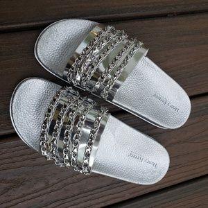 Henry Ferrera silver flip flops Sz 40 (US 9)